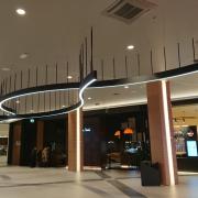 Valgusti DNA Kaubanduskeskuses T1 Mall of Tallinn, disain Allianss Arhitektid OÜ
